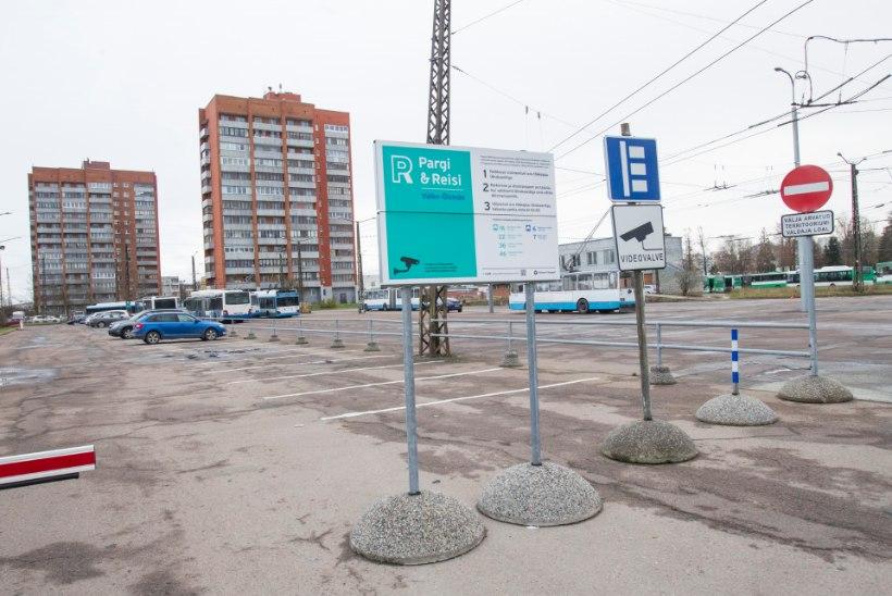 Tallinn tõstab parkimistasusid kohati ligi kaks eurot tunni eest