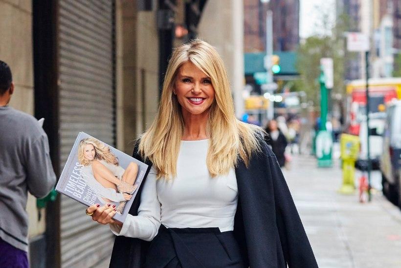 FOTOD | AJATU ILU: kes usuks, et see endine supermodell on juba 61-aastane?