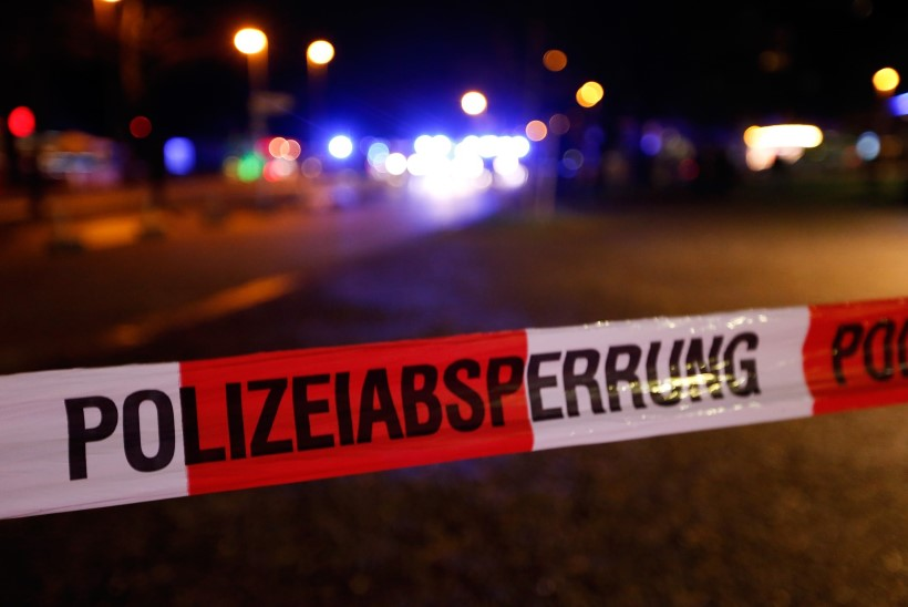 TERRORIOHT! Saksamaa ja Hollandi jalgpallikohtumine jäi staadionilt leitud kahtlase kohvri tõttu ära!