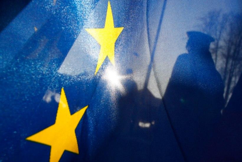 Vambola Paavo | Vastu Schengeni loojangule