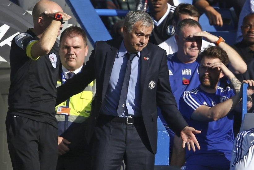 Mourinho õnnetuste jada jätkub: trahv ning ühemänguline staadionikeeld