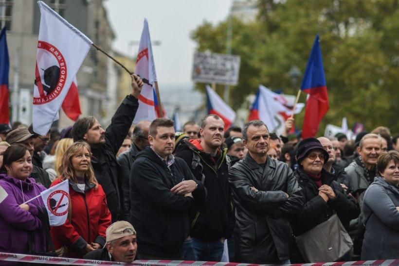 Tšehhi peaminister: terroristid sõitsid Süüriast Prantsusmaale läbi Praha