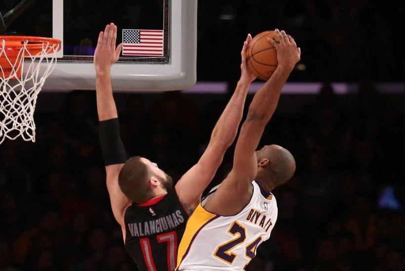 VIDEO | VÕIGAS! Kobe Bryant murdis Leedu staarmängija käeluu