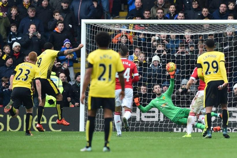 GALERII | Manchester United kerkis tänu lisaminutite draamale liidriks