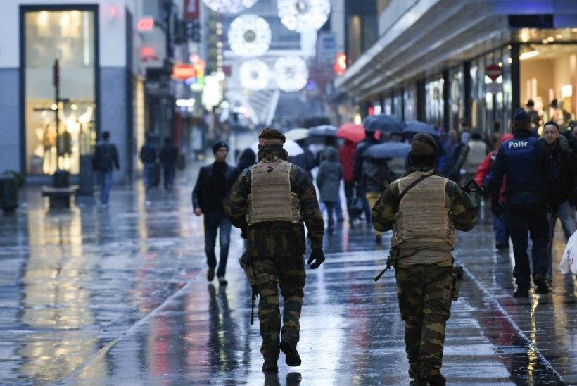GALERII | Terrorihirmus Brüssel: suletud metroojaamad, tühjad tänavad