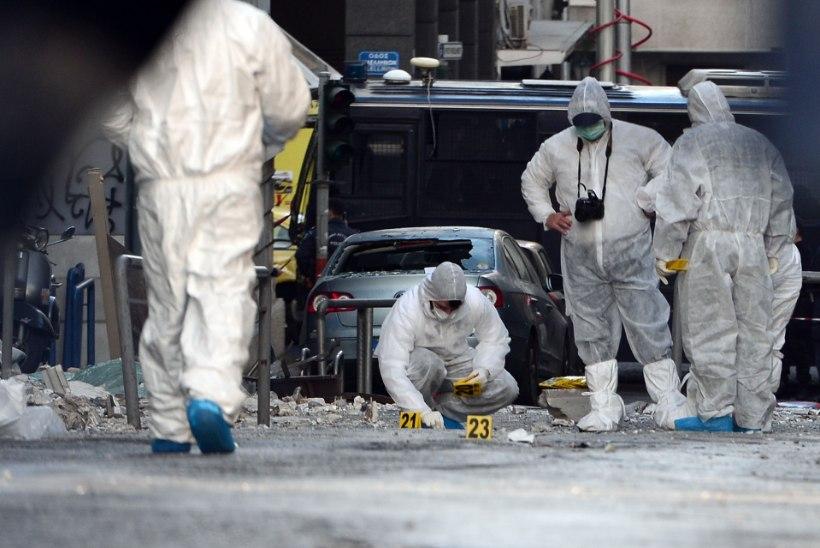 FOTOD   Ateenas kesklinnas plahvatas pisike pomm