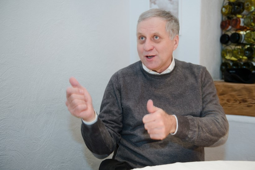 """Rein Kilk lasi tema ärinippe tutvustava raamatu """"Kaval Kilk ja kaksteist lolli"""" lettidelt ära korjata"""