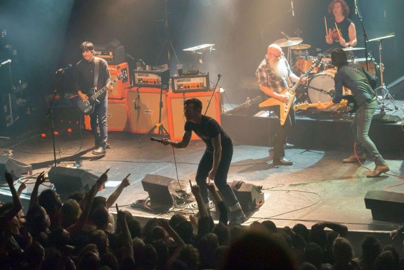 """""""Meie sõbrad läksid rock'n'roll'i vaatama ja said surma. Tahan sinna tagasi minna ja elada!"""""""