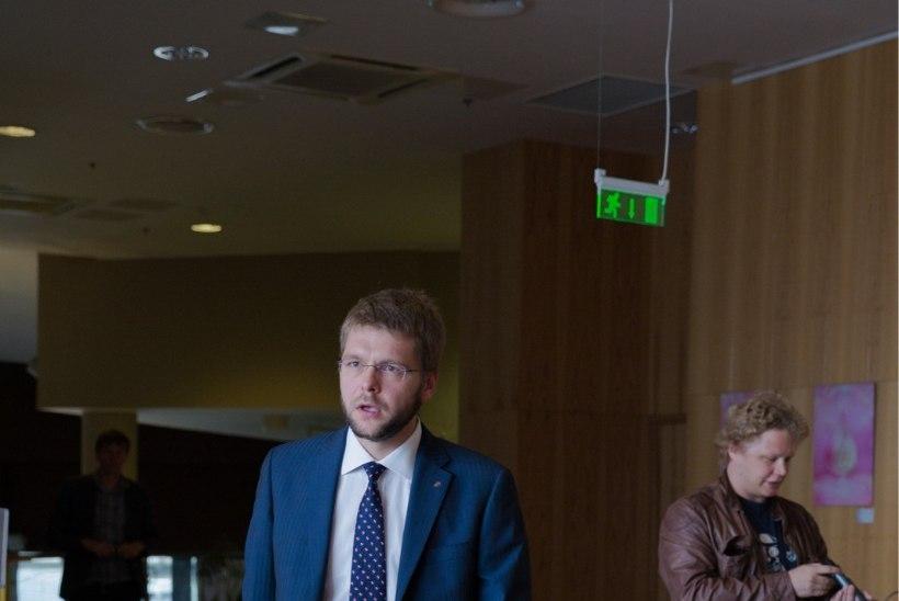 Leht: Ossinovski peatas seadusemuudatuse, mis võib tema isa äri mõjutada