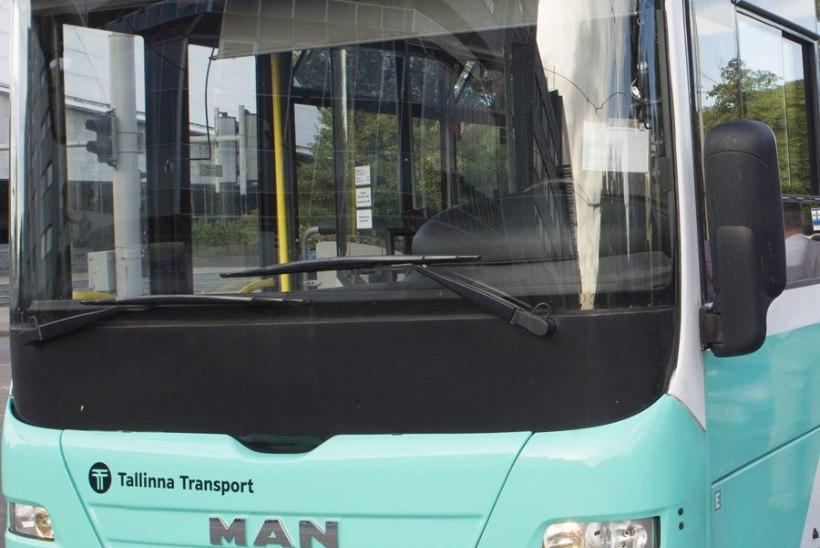 Järsult pidurdanud liinibussis sai viga 88aastane reisija