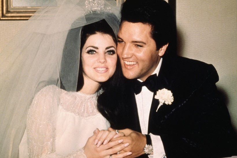 """Rokikuninga eksnaine Priscilla: """"Elvise vaim räägib minuga!"""""""