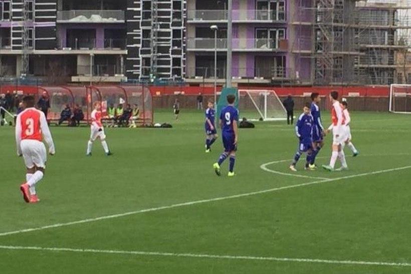 Eesti vutimängija lõi Chelsea särki kandes Arsenalile kaks väravat