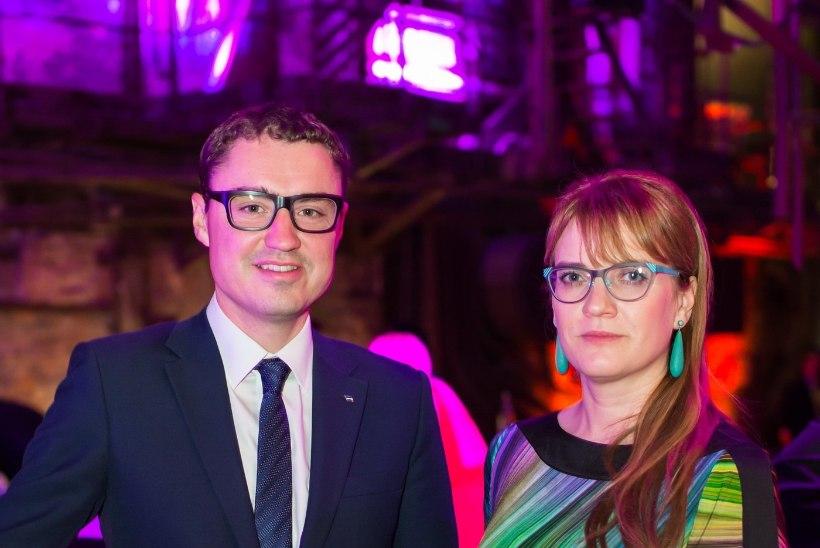 FOTOUUDIS | Kuidas sobivad peaministrile uued prillid?