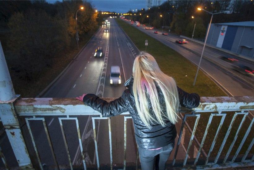 Läbipõlenud noor naine: iga päev mõtlen, et äkki ajab  auto mu alla ja saan lõpuks puhata