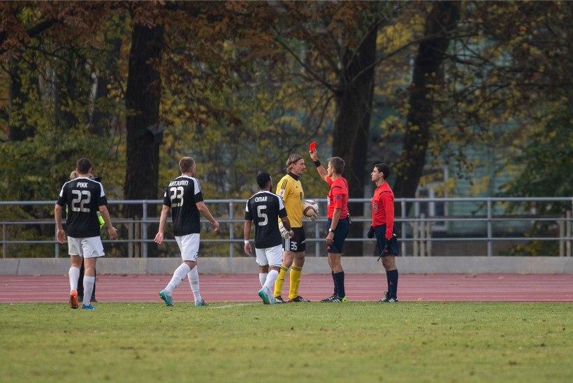 VIDEO | Pareiko eemaldanud Tohver andis ka Euroopa liigas väravavahile punase kaardi