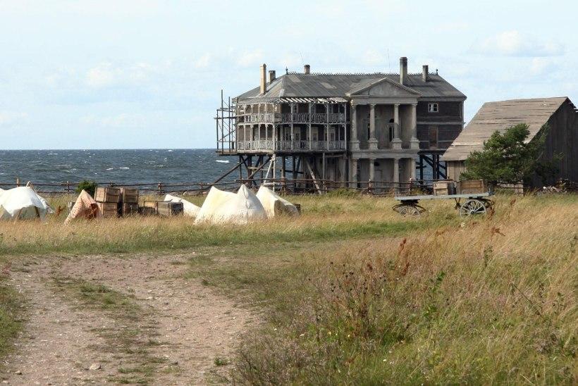 Tuul puhus igast kaarest ja kivid ähvardasid Holmesile pähe kukkuda