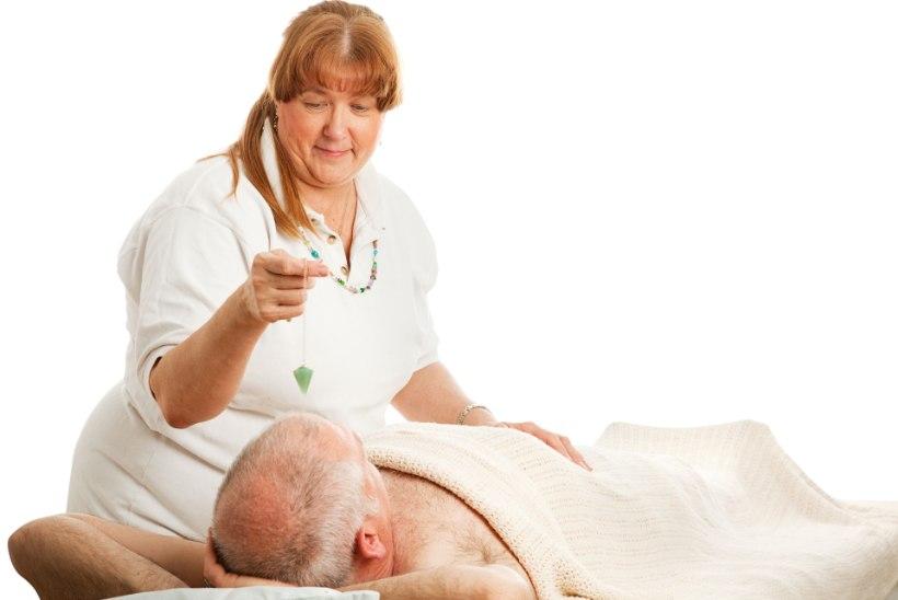 Kes kaitseks patsienti imelist paranemist lubava tervendaja eest?