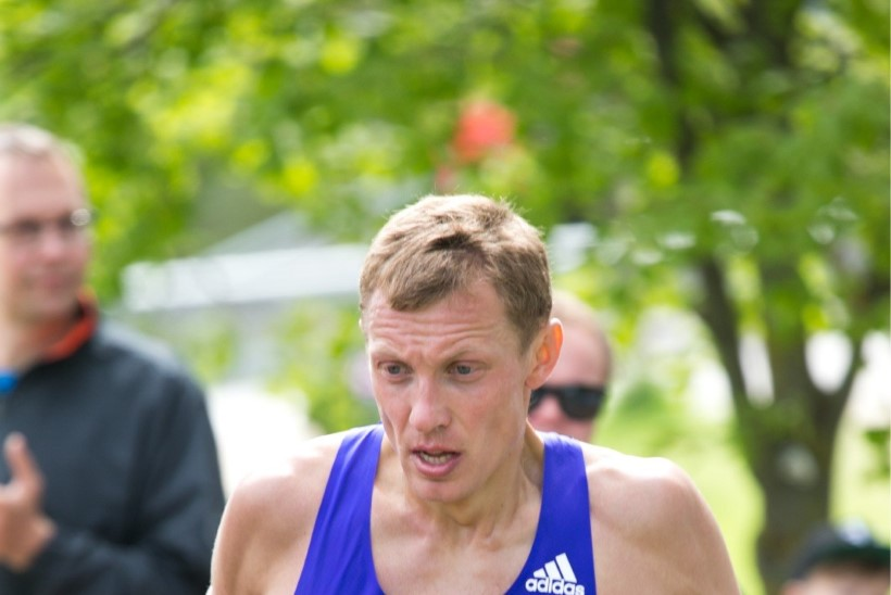 Maratoonar Roman Fosti parandas Hiinas Eesti hooaja tippmarki