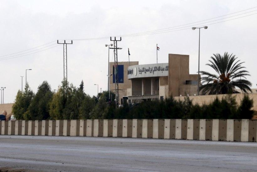 Jordaania politseinik tappis kaks ameeriklast