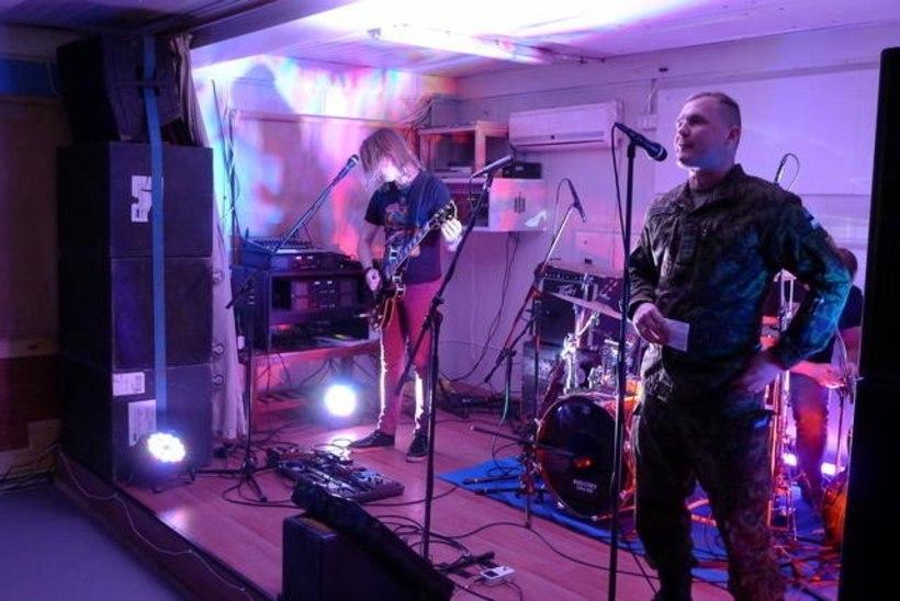 FOTOD | Super Hot Cosmos Blues Band esines Liibanonis Eesti, Soome ja Iiri kaitseväelastele
