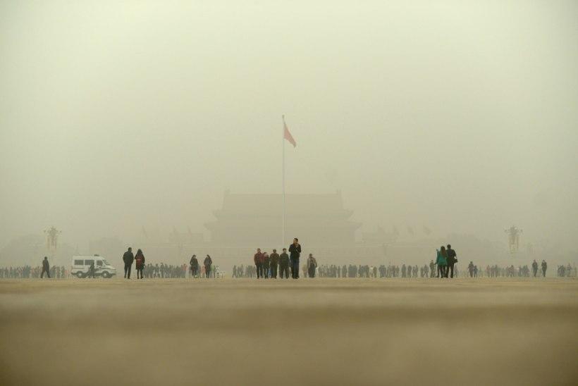 FOTOD | Kohutav sudu püsib viiendat päeva Pekingi kohal
