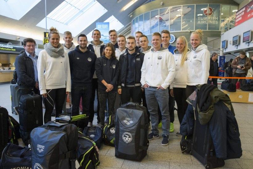 Eesti ujumisvõistkond haaras lennujaamas Seimilt teatepulga