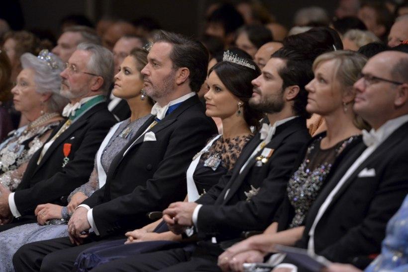 FOTOD | Printsess Sofia stiilne õhtukleit sai kriitikutelt kiita