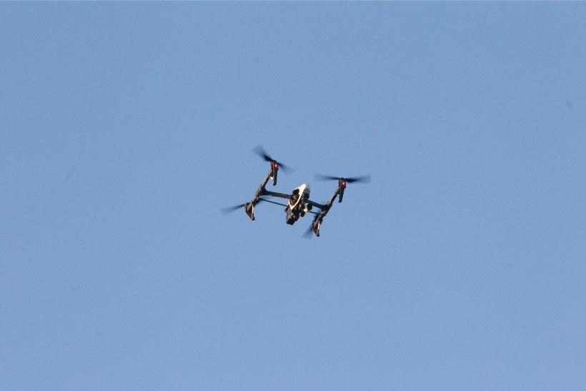 Idapiiri hakkavad valvama droonid