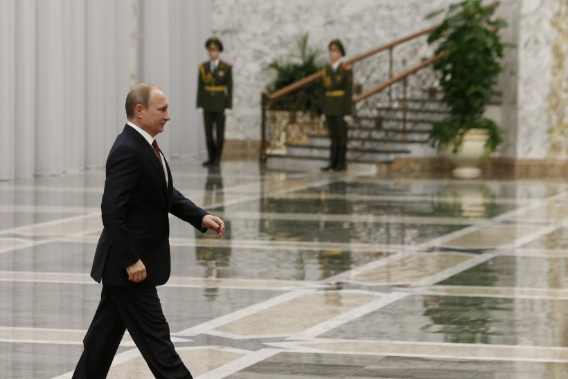 Neuroloogid lahendasid Putini liikumatu parema käe saladuse
