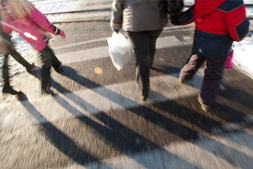 TAAS ÜLEKÄIGURAJAL: politsei otsib Sakus lapsele otsa sõitu näinud inimesi