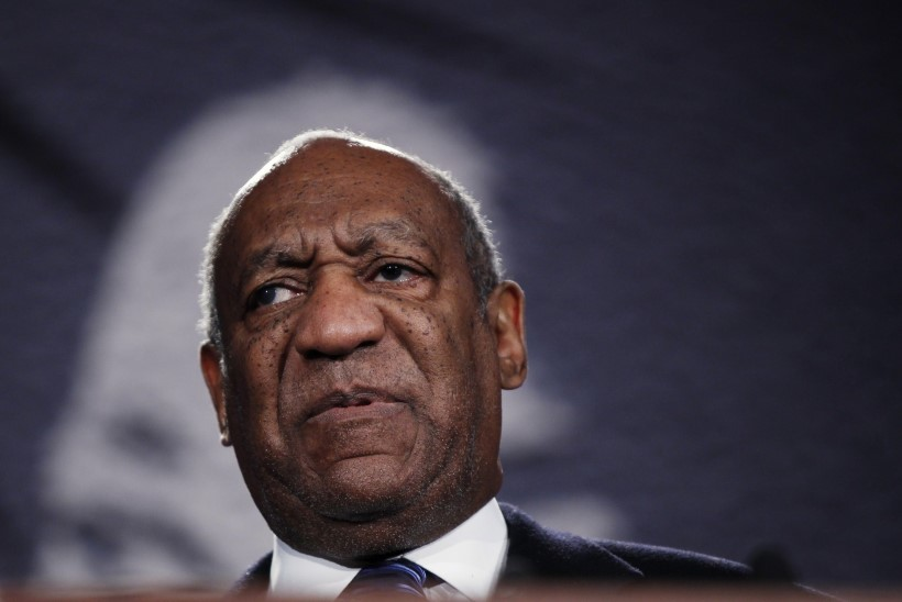 Cosby kaebas seitse naist kohtusse