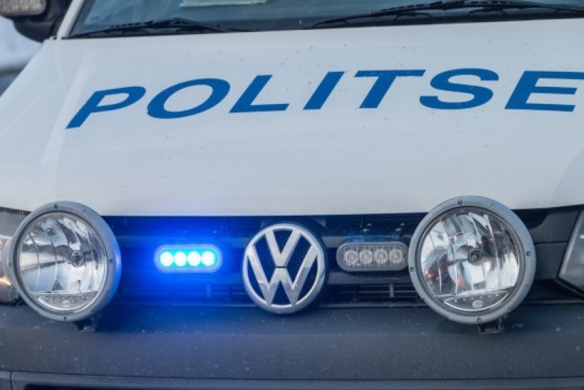JÄLLE: Tartus jäi tüdruk ülekäigurajal auto alla