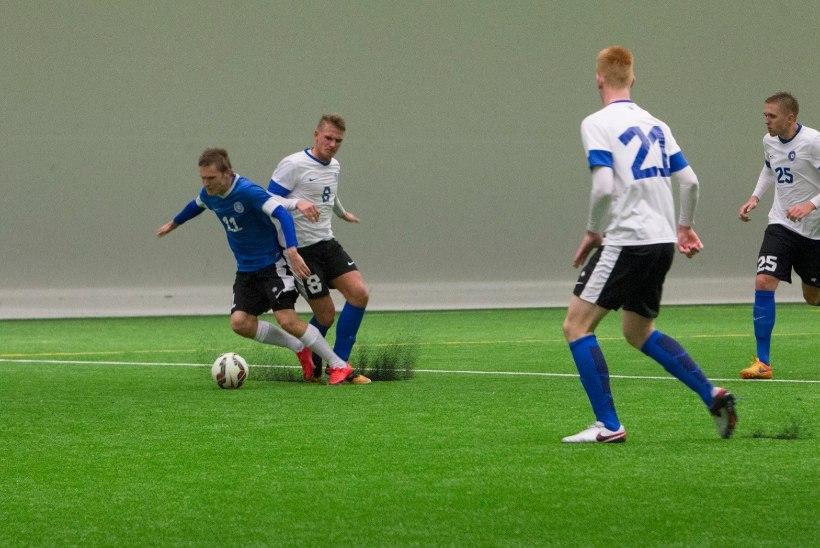 GALERII | Eesti vutikoondise B-rivistus pidas võitlusliku treeningmatši. Kes võis Pehrssonile silma jääda?