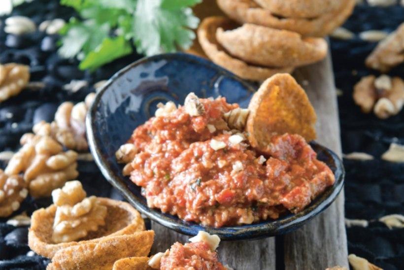 Röstitud paprika ja Kreeka pähkli võie