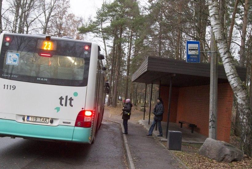 """80aastane naine: """"Ma kartsin just seda, et buss hakkab mind lohistama, siis ma olen surnud."""""""