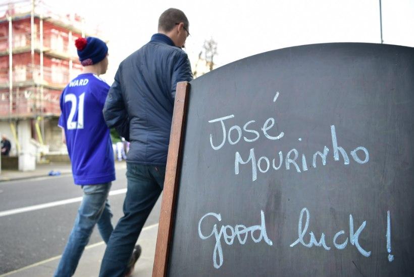 Töötu ja uue soenguga Mourinho tõi esiliigaklubile halba õnne