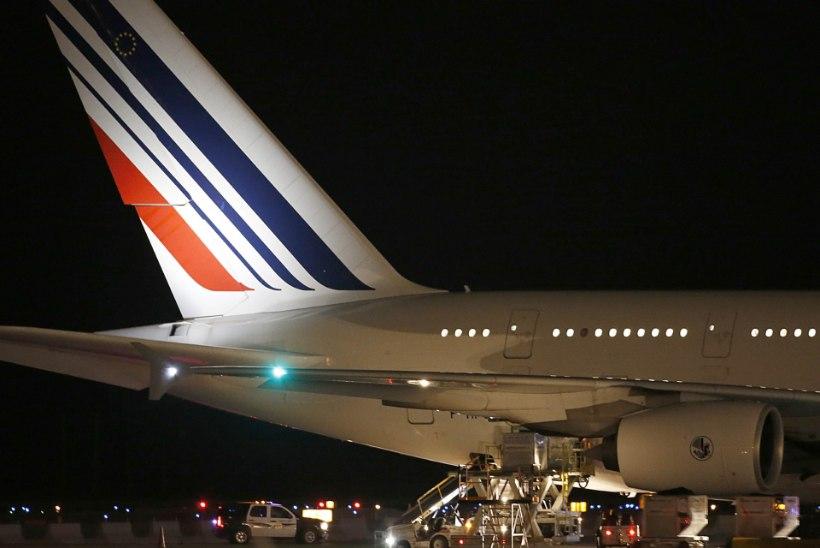 Air France'i lennuk tegi Keenias hädamaandumise