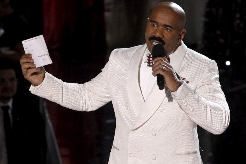Piinlikkuse tipp! Miss Universumiks kuulutati Las Vegase galal vale neiu
