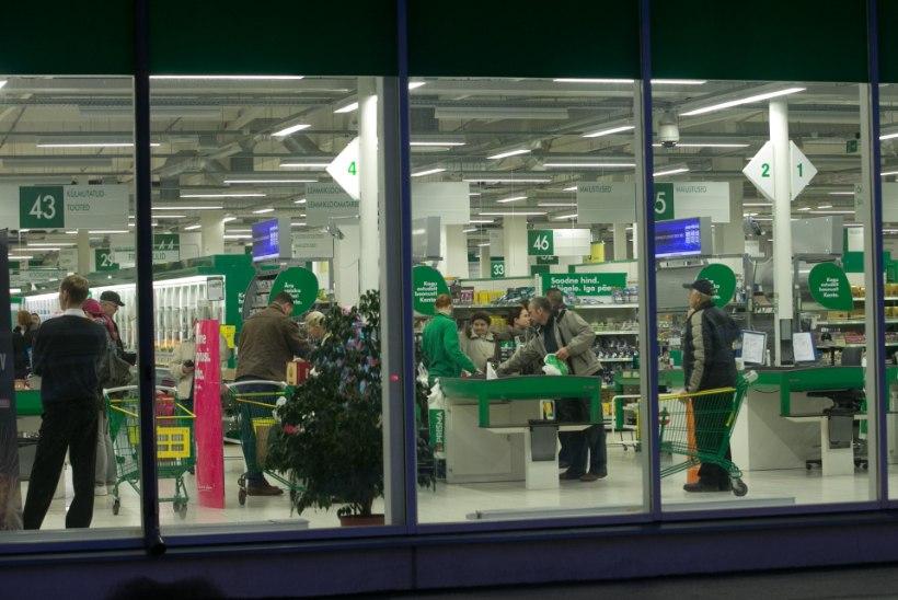 Müüjate seas käib tihe rebimine: pühadeaegne topeltpalk innustab neid jõuluajal tööle
