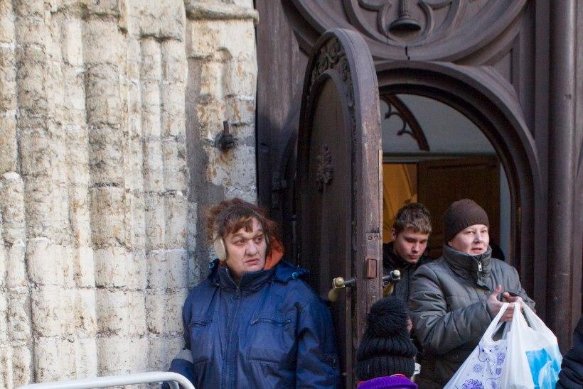GALERII | Kodutute ja vähekindlustatud inimeste jõulupidu Oleviste kirikus