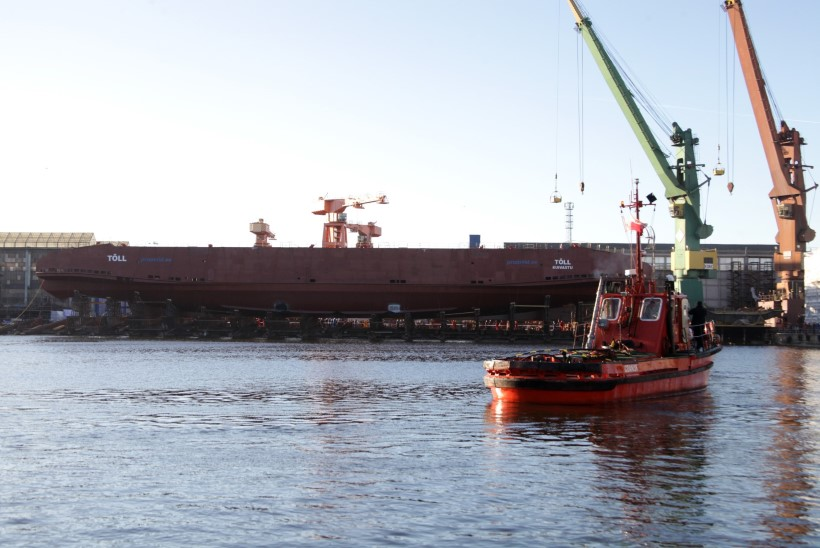 GALERII | Esimene väinapraam Tõll sai Poolas vette