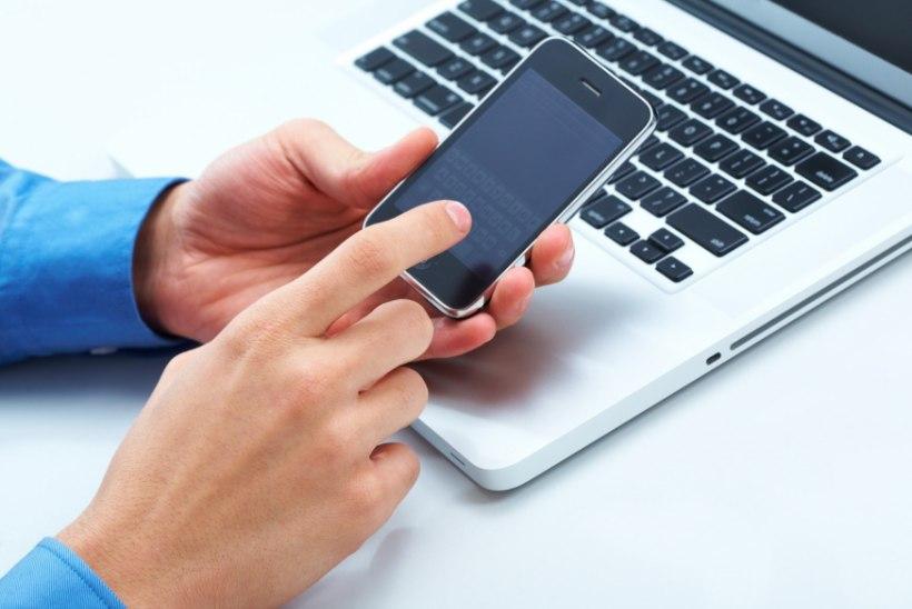 Statistika: eestlased edastavad jõulusoove SMS-i asemel aina enam internetis