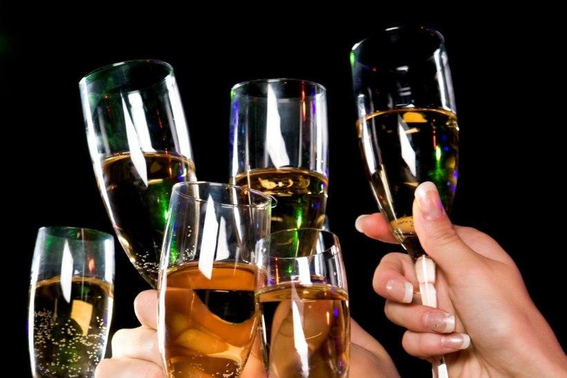 Terviseamet: hoidu aastavahetusel alkoholimürgistusest!