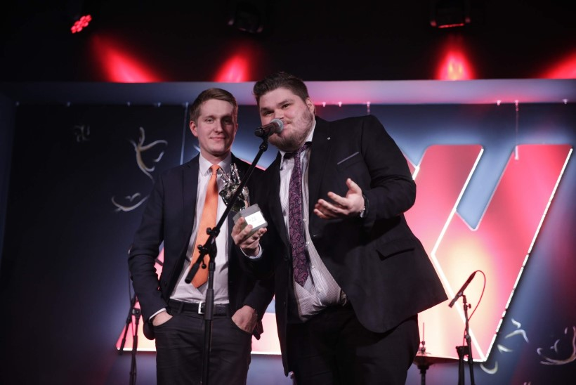 GALERII JA ÕHTULEHE VIDEO | Raadio 2 aastahiti võitja Karl-Erik Taukar: see võit on ootamatu!