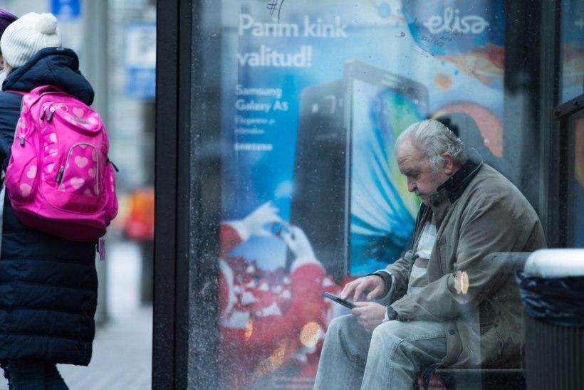 iPhone pihku ja tegutsema – moodne pensionär on sukeldunud digimaailma