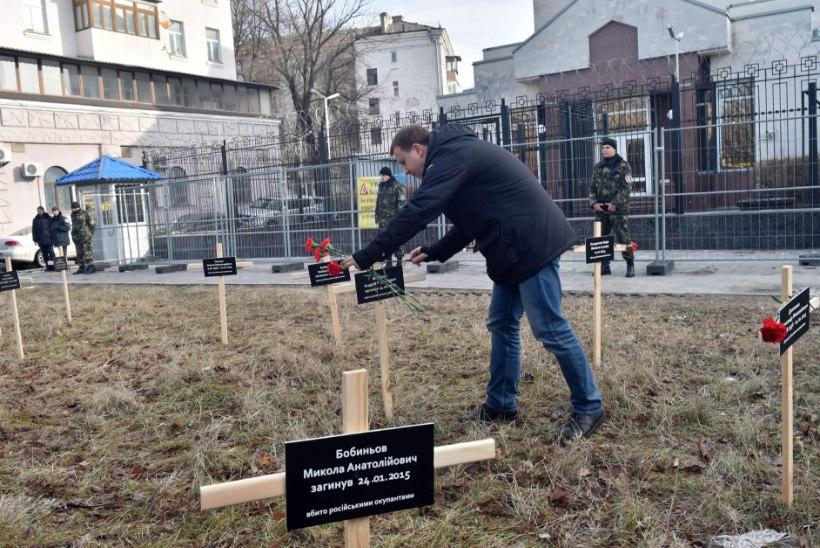 Kiievis on ristid Vene saatkonna ees