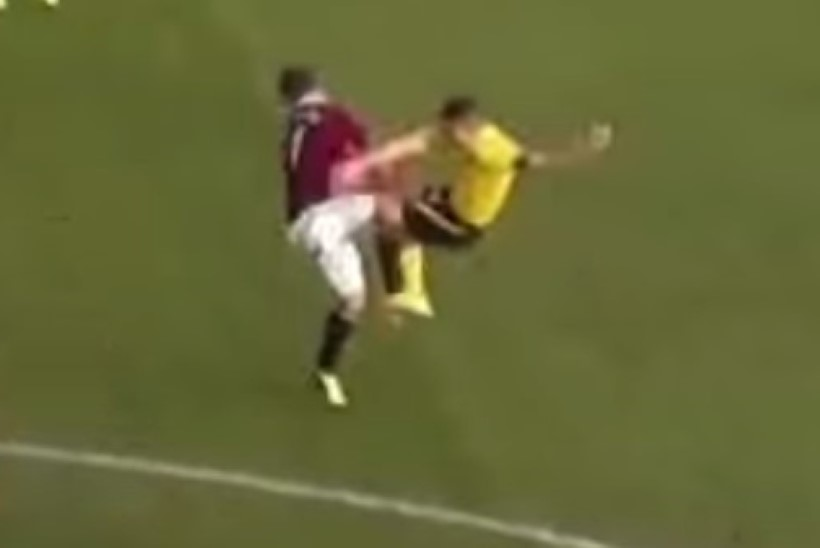 VIDEO | Jube, rõve, ilge! Šotimaal rammis jalgpallur kolleegi jalaga otse näkku!