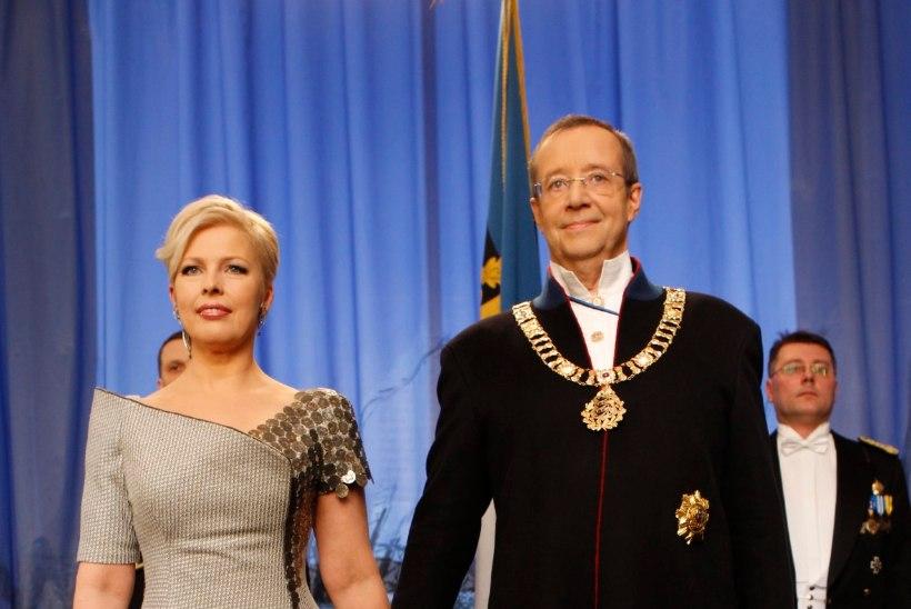 PRESIDENDIBALLI GALERII | Kätlemine ja kleidid aastal 2012