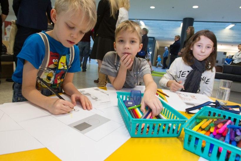 """GALERII: Evelin Ilves avas KUMU sünnipäeva avaürituse """"Aitan lapsi kunsti juurde"""""""