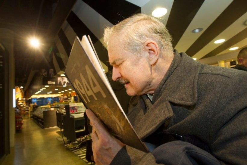 """VAATA FOTOSID: Leo Kunnase raamatu """"1944"""" esitlus"""